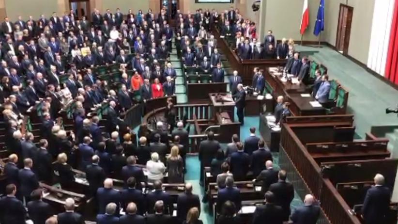 Sejm minutą ciszy uczcił pamięć Pawła Adamowicza. Na sali nie było m.in. Jarosława Kaczyńskiego