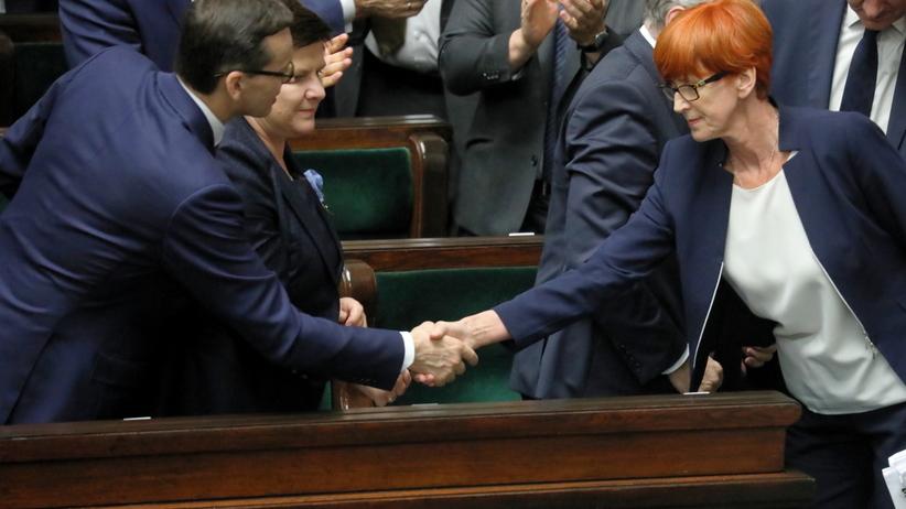 Sejm odrzucił wniosek o wotum nieufności dla Szydło i Rafalskiej