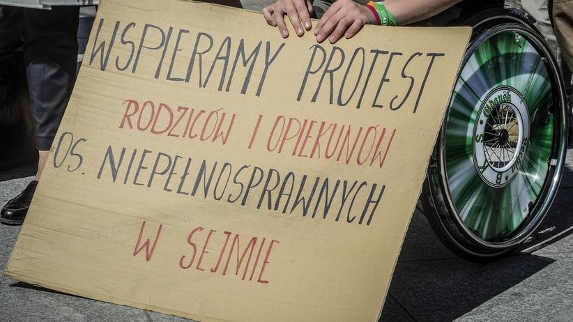 Sejm: Wciąż bez przełomu w sprawie protestu osób niepełnosprawnych
