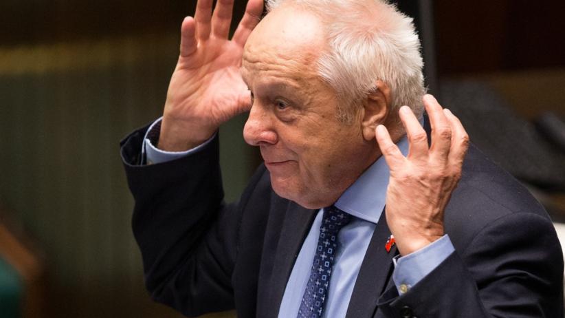 Mieli trzydziestokrotnie udzielać korzyści osobistej Niesiołowskiemu. Są wnioski o areszt