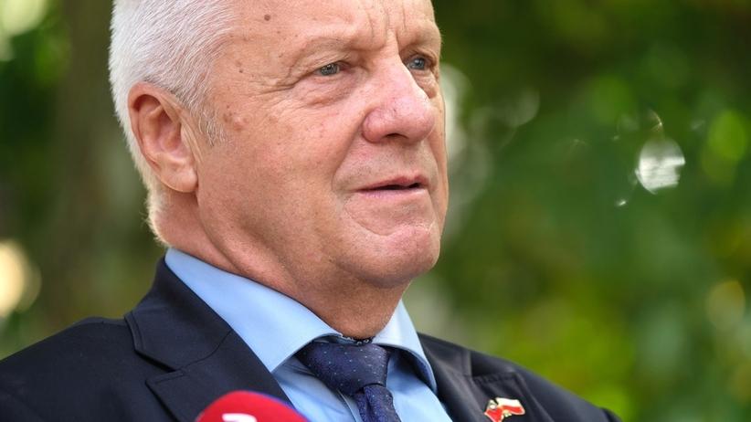 Niesiołowski zrzekł się immunitetu. Komisja przyjęła wniosek, były poseł ma też usłyszeć zarzuty