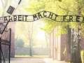 Kontrowersyjne wykorzystanie napisu z Auschwitz. TV Republika się broni