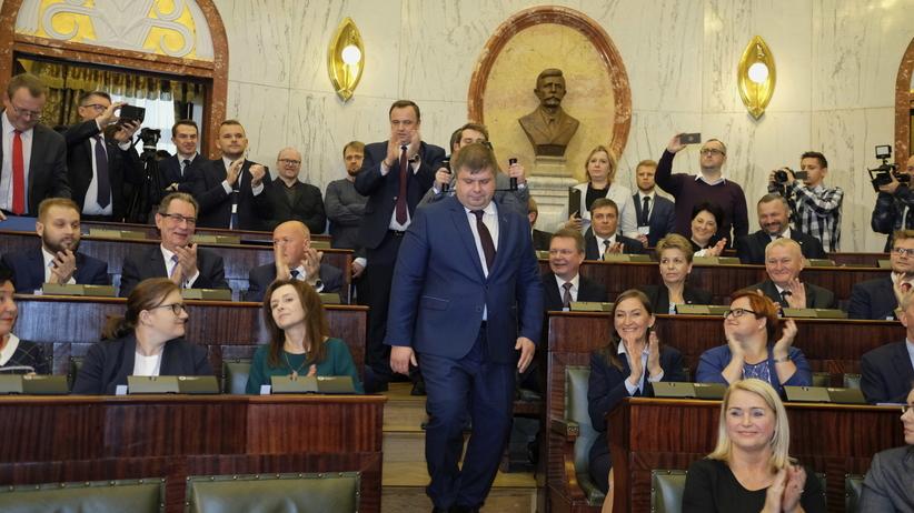 """""""Korupcja polityczna"""", ostre słowa na I sesji śląskiego sejmiku po decyzji radnego Kałuży"""