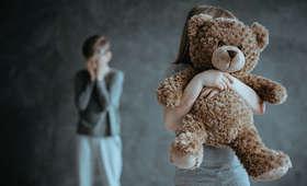 Śląsk. Pedofil gwałcił i bił swoje córki. Trafił do aresztu