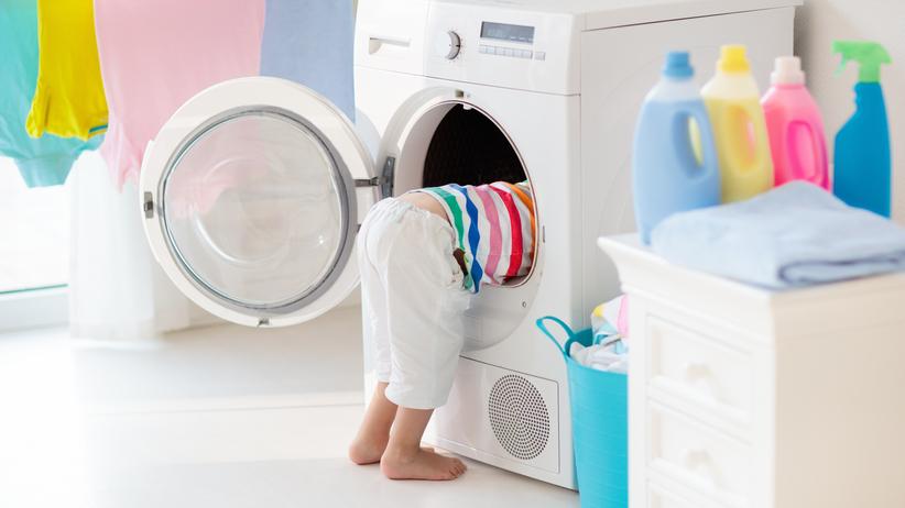 Trzylatek zatrzasnął się w pralce. Trwa walka o jego życie