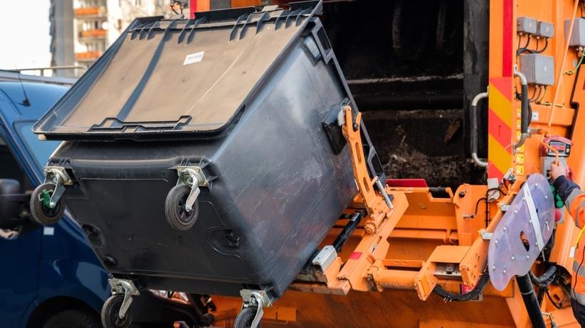 Tragedia w Lubinie. Śmieciarka przejechała kobietę