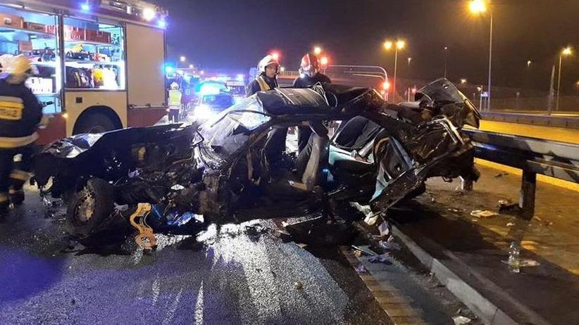 Śmiertelny wypadek pod Warszawą. 22-letni pasażer nie żyje