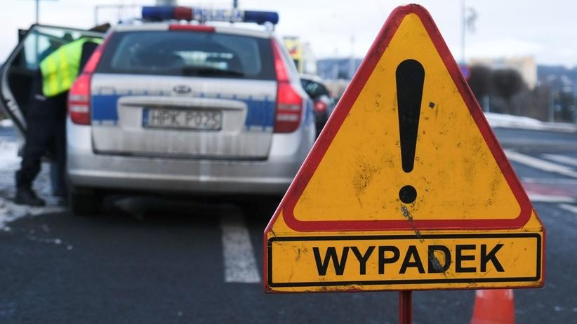 Śmiertelny wypadek pod Warszawą. Zderzyły się trzy auta