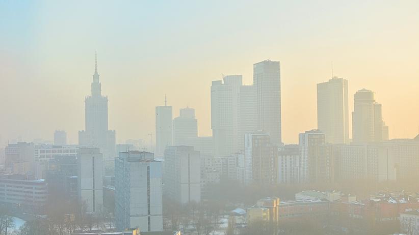 Smog. Zła jakość powietrza nad Warszawą. Przekroczono stan ostrzegawczy