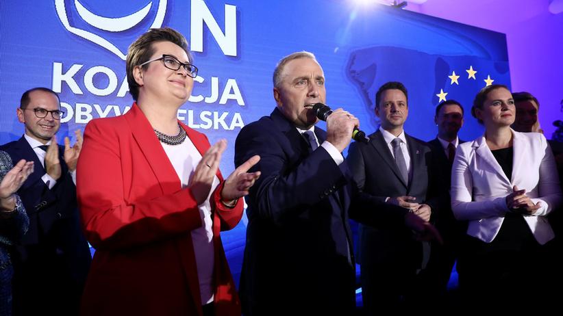 Nowy sondaż o wyborach. Co Polacy sądzą o zjednoczeniu opozycji?