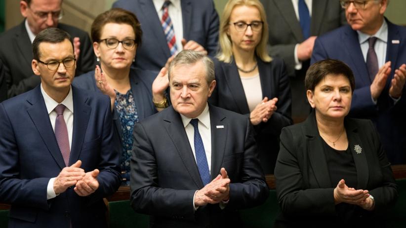 Złe wieści dla PiS. Rząd z najniższym poparciem od ponad 2 lat