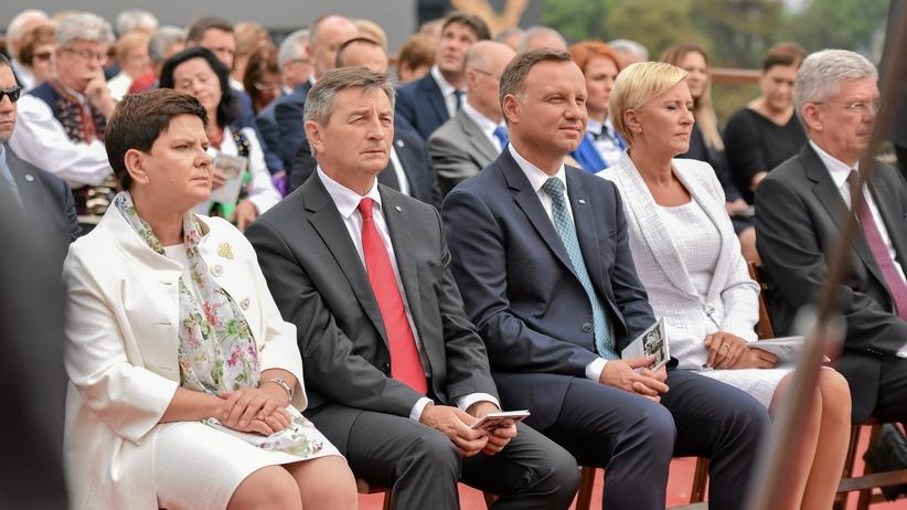 Nowy sondaż CBOS: Polacy zadowoleni z prezydentury Dudy, mniej z pracy Sejmu