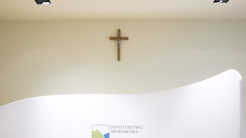 Sondaż: Krzyże w urzędach. Co myślą Polacy?