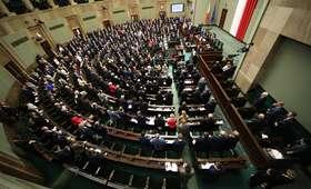 Sondaż Estymator: PiS liderem, w Sejmie pięć ugrupowań