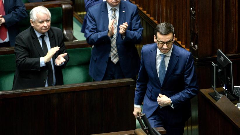 Sondaż: Rekordowe poparcie PiS. Pięć partii w Sejmie