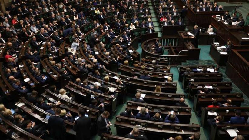 Najnowszy sondaż partyjny: Fatalny wynik Nowoczesnej. Radość w obozie rządzącym?