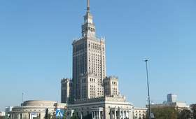 Kto zostanie prezydentem Warszawy? PiS przeprowadziło sondaż