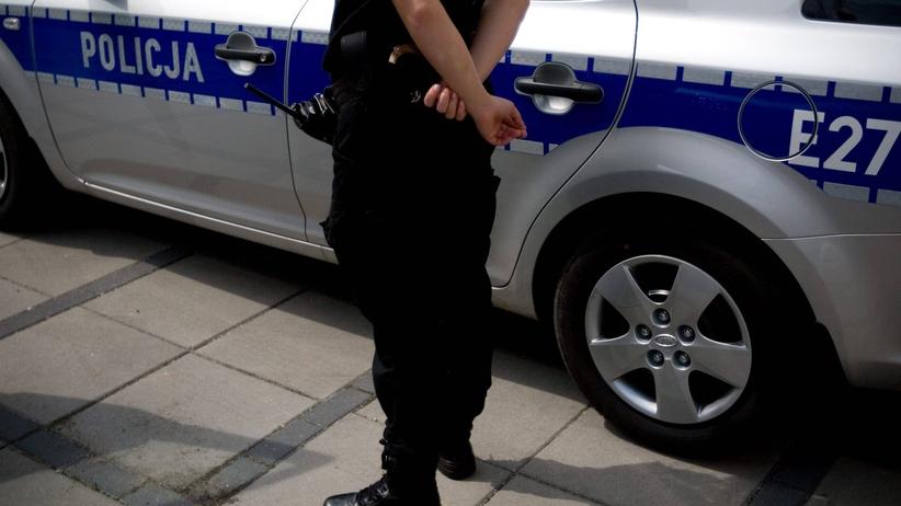 Był poszukiwany dwoma listami gończymi. Skontaktował się z policją, bo miał dość ukrywania się