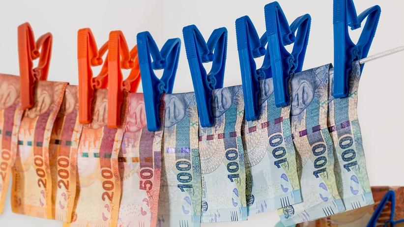 Szczecin: pracownicy skarbówki oskarżenia o korupcję. 8 osób zatrzymanych