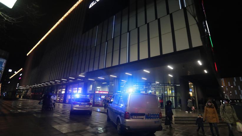 Zarzuty zabójstwa i usiłowania zabójstwa dla nożownika ze Szczecina
