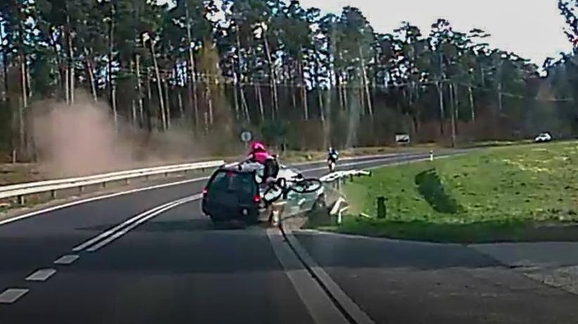 Tak wyglądało potrącenie rowerzystki. Policja udostępniła wstrząsające wideo