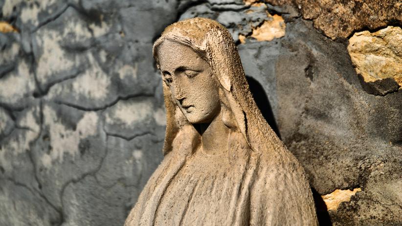 Zniszczył figurkę Matki Bożej. Grozi mu od trzech miesięcy do pięciu lat