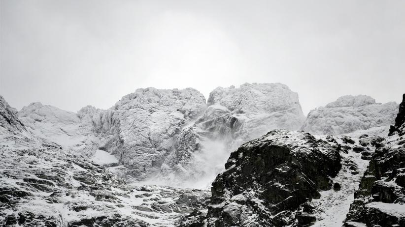 """Poszukiwania narciarza w Tatrach. """"Ślad po nim zaginął"""""""