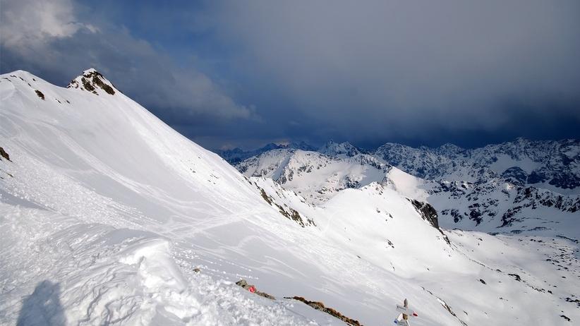 Uwaga! W Tatrach trzeci stopień zagrożenia lawinowego