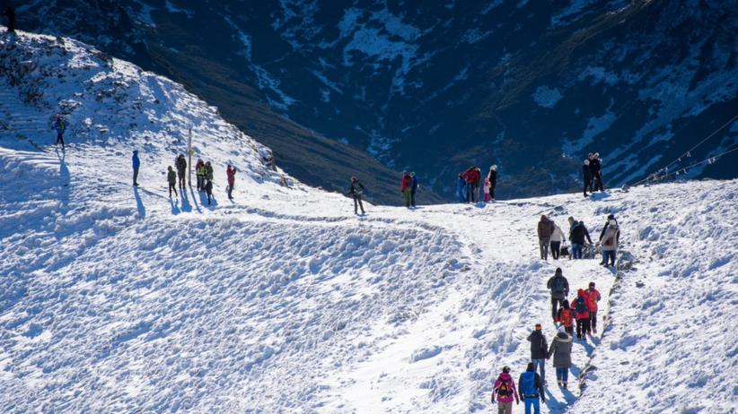 Odwilż w Tatrach. TOPR ostrzega przed lawinami