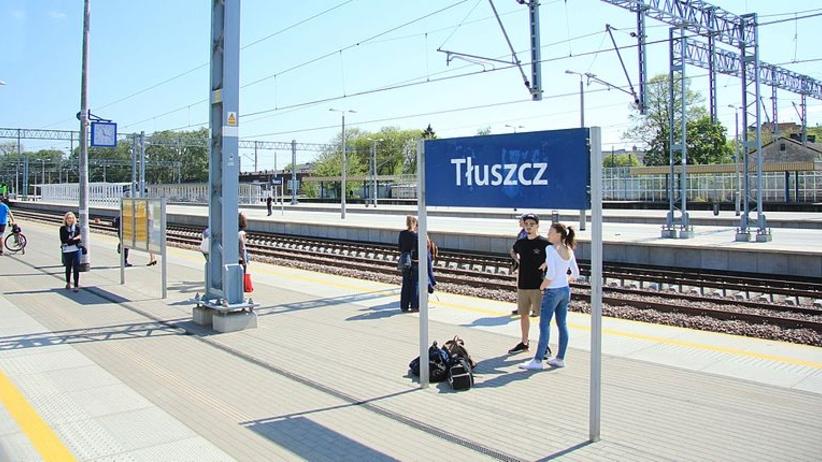 Maszynista pociągu wysadził pasażerów i poszedł sobie. Skończył mu się czas pracy