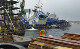 Dźwig runął na norweski statek w Gdyni