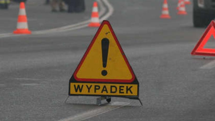 Tragiczny wypadek na Podlasiu. 3 osoby nie żyją. Auto wjechało pod drezynę