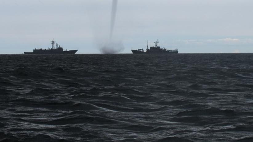 Trąba wodna nad polskim morzem. Zobacz niezwykłe zjawisko [FOTO]