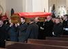 Trumna z ciałem prezydenta Gdańska dotarła do Bazyliki Mariackiej. Wnieśli ją prezydenci miast