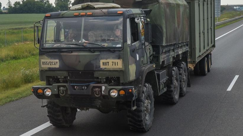 Wypadek wojskowego busa. Rannych sześciu amerykańskich żołnierzy