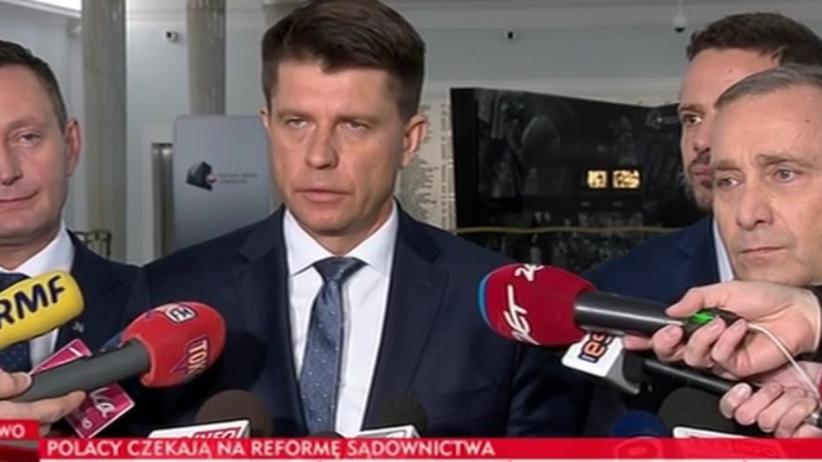 TVP Info nie odpuszcza PO i Nowoczesnej. Kolejny pasek HITEM internetu [FOTO]