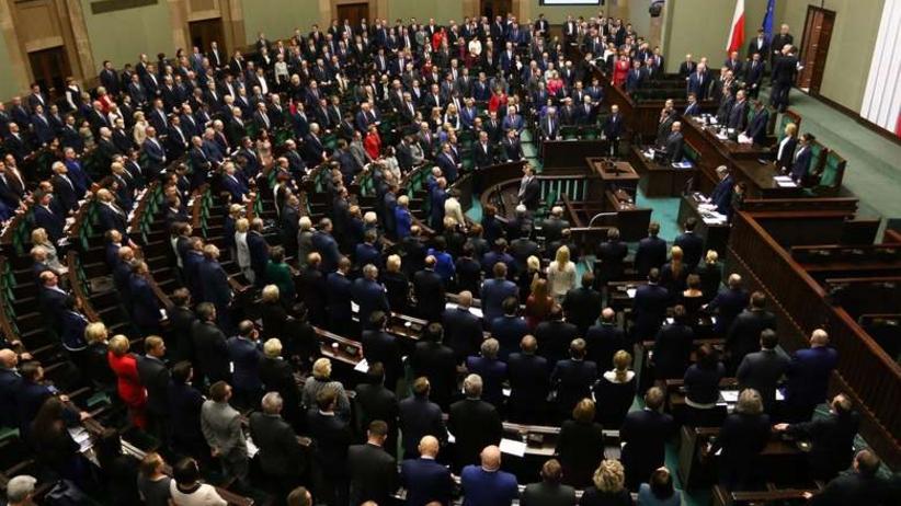 Uchwalili budżet Kancelarii Sejmu, Senatu i Prezydenta. Kwota zwala z nóg