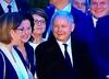 Uśmiechnięty Kaczyński na miesięcznicy smoleńskiej. Tak manifestuje żałobę?