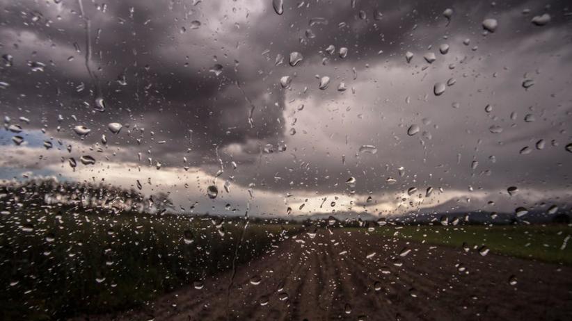 Uwaga! Ostrzeżenia meteorologiczne dla 9 województw. Idą silne burze z gradem