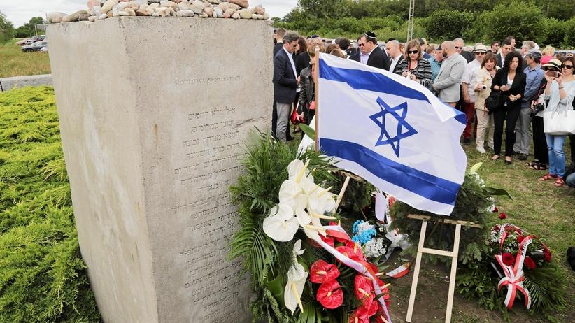 Obchody 76. rocznicy mordu na Żydach w Jedwabnem