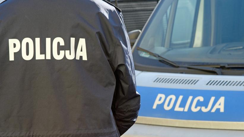 Pijana kobieta potrąciła policjanta i wjechała w radiowóz