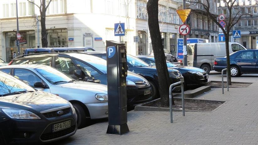 Warszawa: nawet 2 tys. za parkowanie drugiego samochodu w centrum