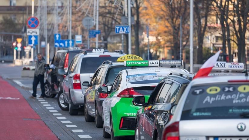 Sylwester w stolicy? Uwaga na taksówkowych oszustów!