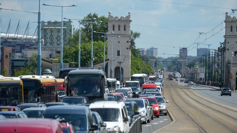 Mandaty i wnioski do sądu dla protestujących taksówkarzy