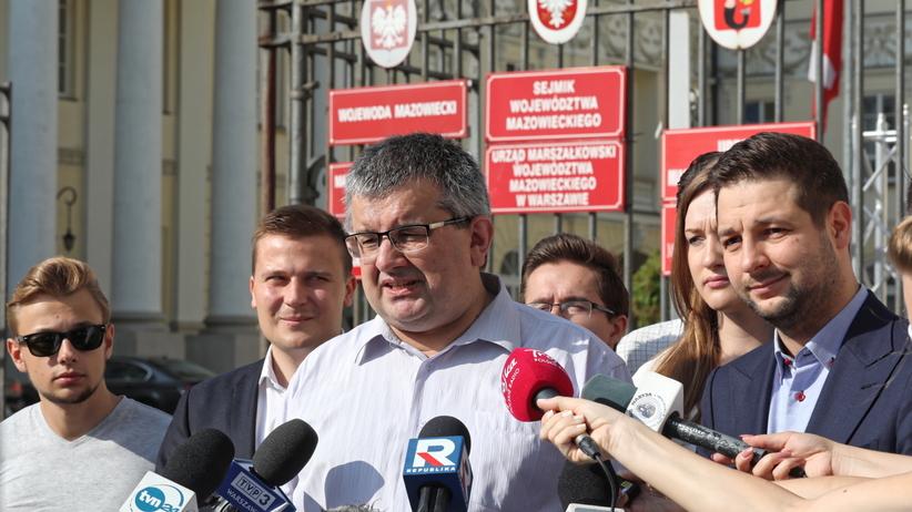 Warszawa. Były radny PO poparł kandydaturę Jakiego na prezydenta