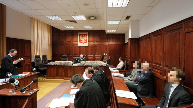 Ruszył proces w sprawie tzw. dzikiej reprywatyzacji w stolicy. Kto wśród oskarżonych?