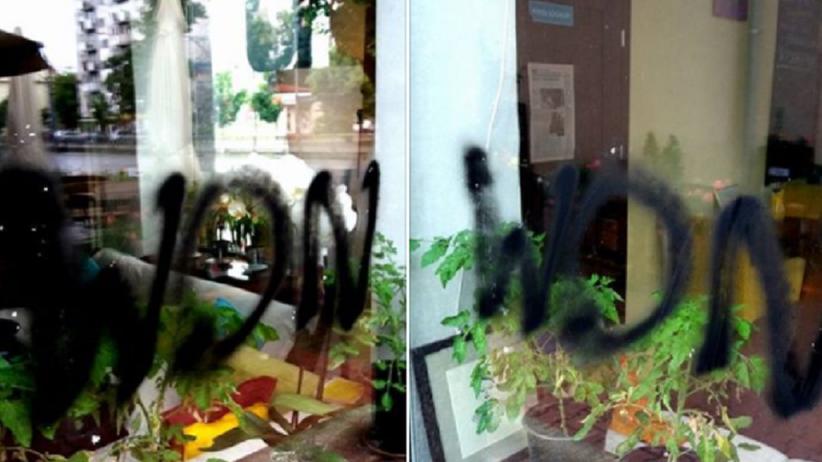 Wandale napisali WON na witrynie kawiarni, gdzie pracują osoby z autyzmem