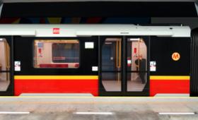 Utrudnienia w warszawskim metrze. Pod pociąg wpadł mężczyzna