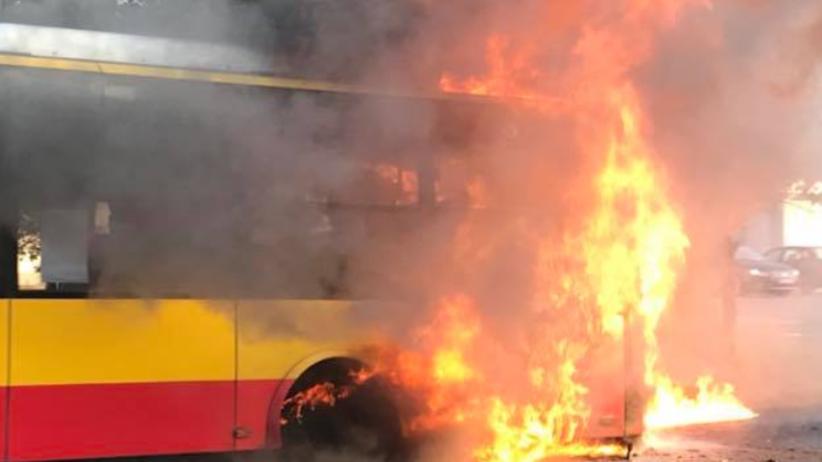 Pożar autobusu w Warszawie. Nikt nie ucierpiał