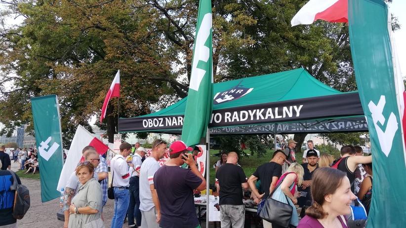 """Warszawa. Przed Godziną """"W"""" ONR rozstawił namiot w centrum stolicy"""